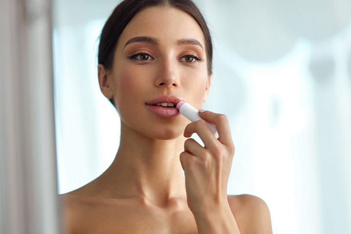 How to make lipstick stay on your lips all day